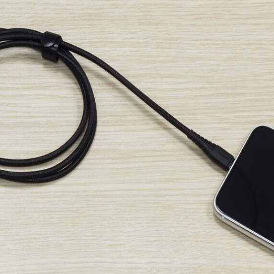 Фото Кабель ROCK Hi-Tensile USB to Lightning (3A Charge & Sync round Cable) 120cm Черный / Black на onecase.com.ua